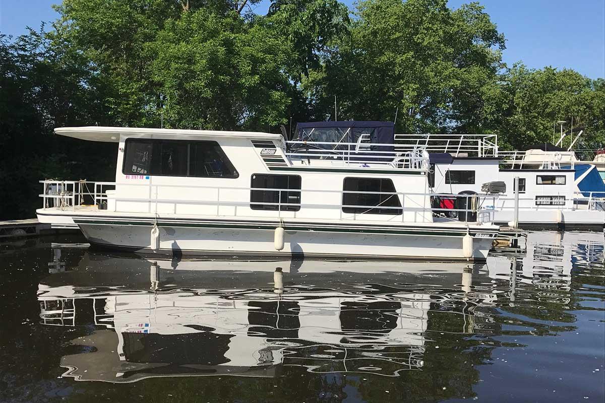 Alma Marina Days Away Houseboat